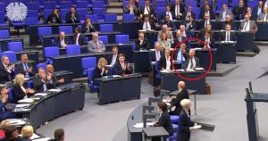 Noktara - AfD-Anhänger tief erschüttert über Gaulands Hitlergruß im Bundestag