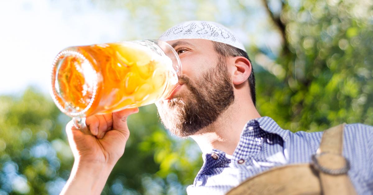 Noktara - Alkoholfreies Maß Bier auf dem Oktoberfest für muslimische Besucher - Schluck