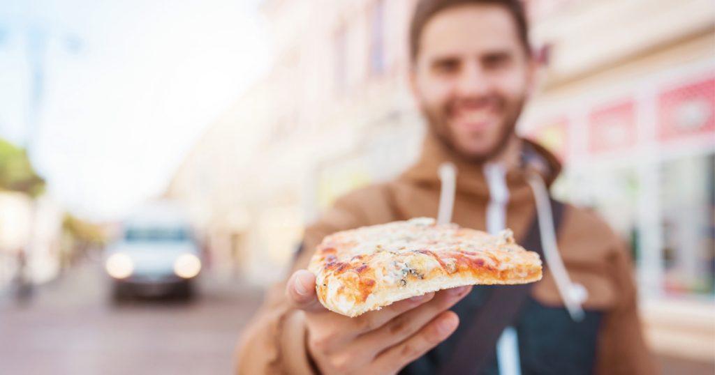 Noktara - Asozialer Typ bietet fastendem Freund dauernd Pizza an