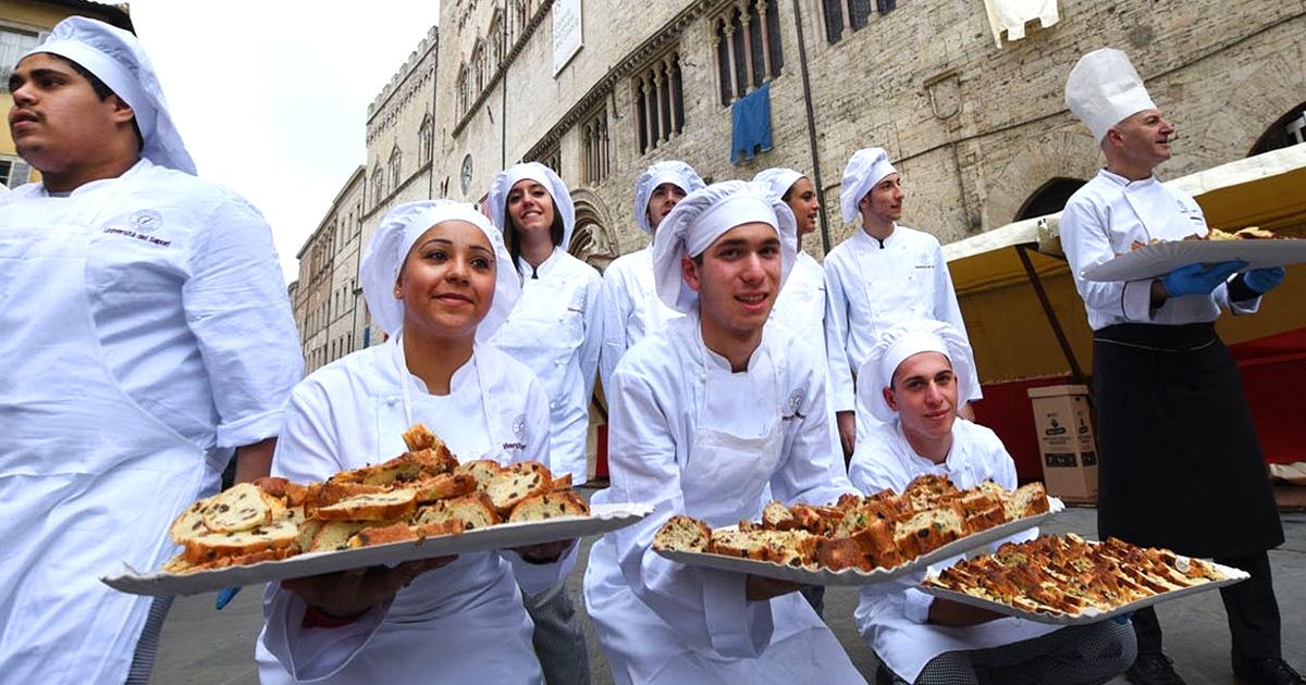 Bagdad: Irakische Bäcker verteilen Kalorienbomben
