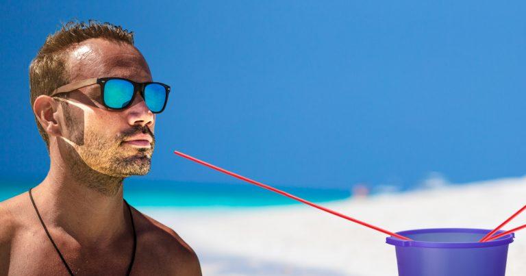 Noktara - Ballermann- Sangria-Strohhalme müssen wegen Corona 1,5 Meter lang sein