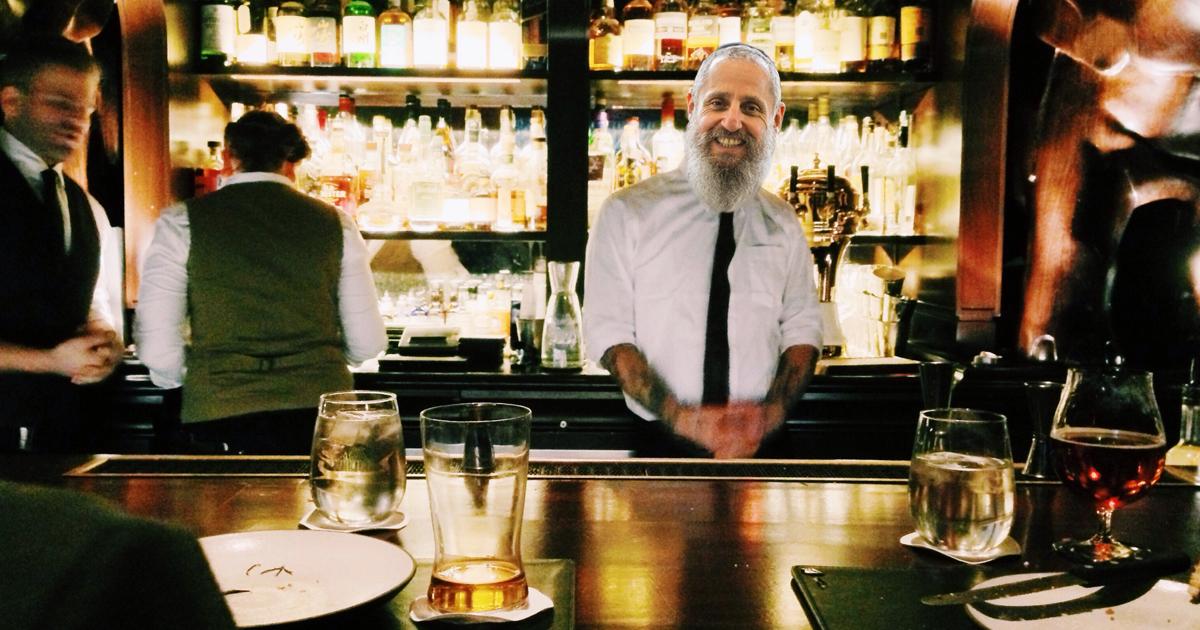 Noktara - Bar Mizwa - Jude eröffnet Kneipe mit koscherem Wein - Rabbi als Barkeeper