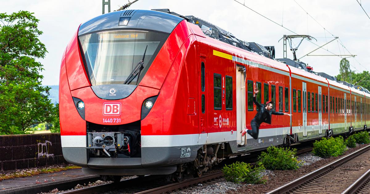 Noktara - Deutsche Bahn wirft Maskenverweigerer aus fahrendem Zug
