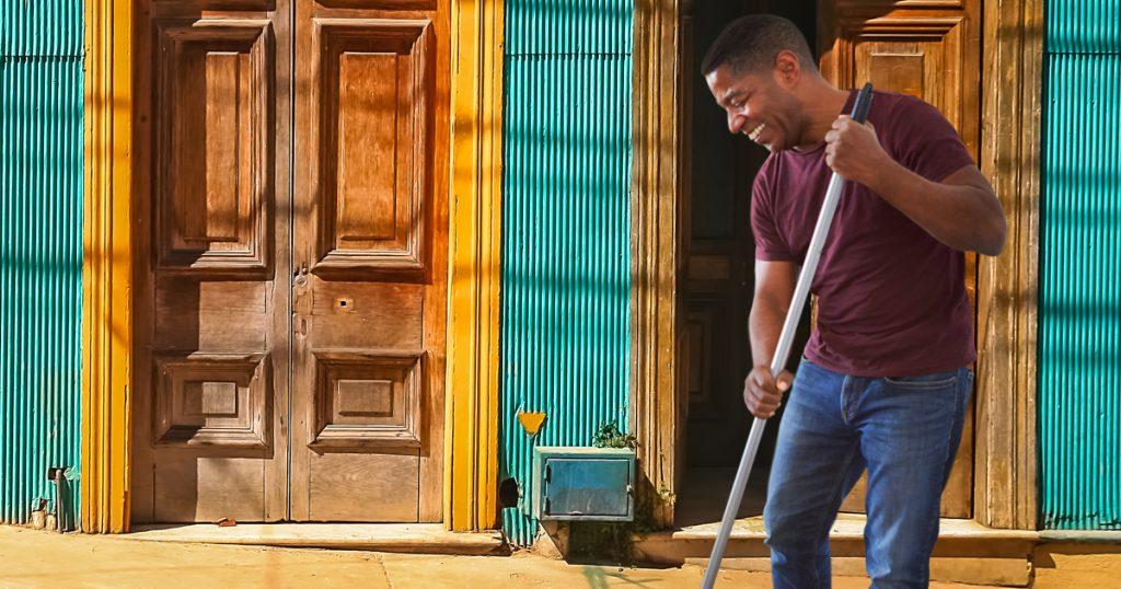 Noktara - Dieser Typ kehrt zur Abwechslung vor der eigenen Tür
