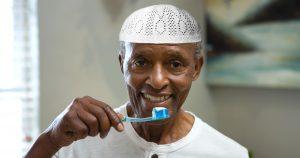 Noktara - Fastender verspeist im Ramadan ganze Zahnpastatube