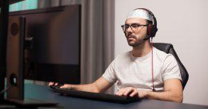 Noktara - God Mode - Salafist weigert sich aus religiösen Gründen in Videospielen zu cheaten