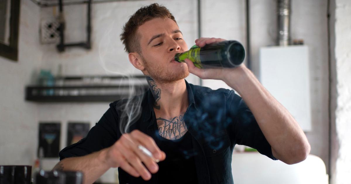 Noktara - Kettenrauchender Alkoholiker will sich wegen gesundheitlichen Bedenken nicht impfen lassen