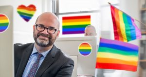 Noktara - Lesben- und Schwulenverband fordert Recht auf Homo Office