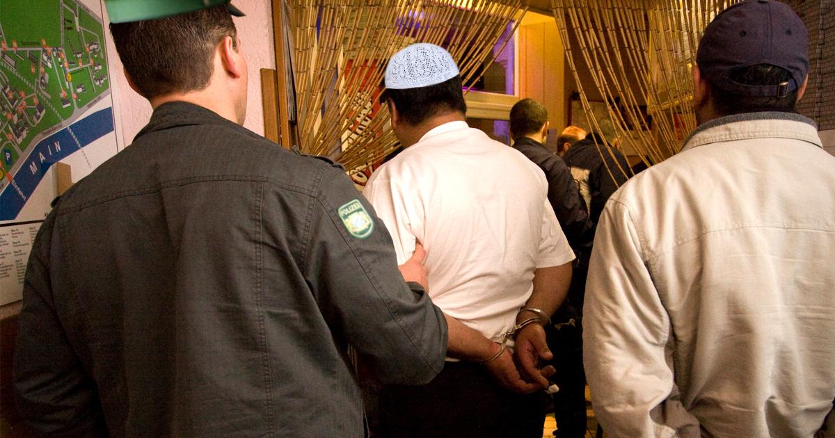 Noktara - Muezzin verhaftet, weil er Allahu Akbar rief