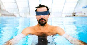 Noktara - Muslim geht mit Augenbinde ins Schwimmbad, um keine nackten Frauen zu sehen