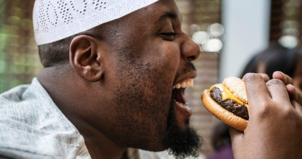 Noktara - Muslim isst Burger