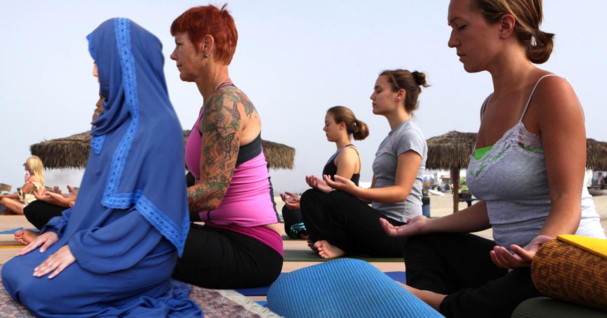 Muslima leitet versehentlich Yoga-Kurs
