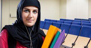 Noktara - Muslima schmeisst Studium, weil sie eh Hausfrau wird