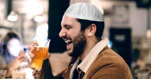 Noktara - Muslime tieftraurig über Alkoholverbot und Sperrstunde