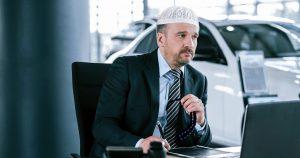 Noktara - Muslimischer Gebrauchtwagenhändler bittet nach jedem Verkauf um Vergebung
