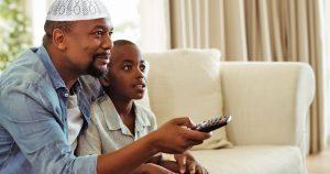 Noktara - Muslimischer Vater schaltet wegen Liebesszene panisch auf Gewaltorgie um