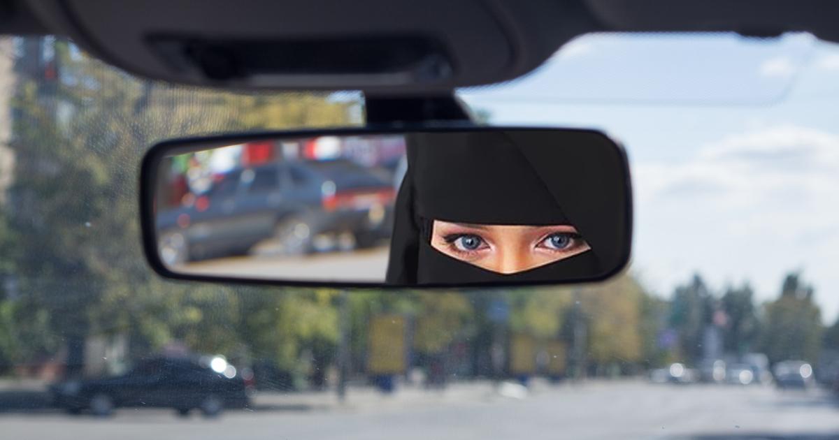 Saudi-Arabien: Erste Frau beim Autofahren geblitzt