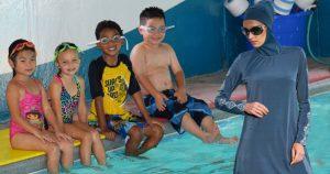 Noktara - Schwimmlehrerin trägt aus Rücksicht auf Muslime Burkini