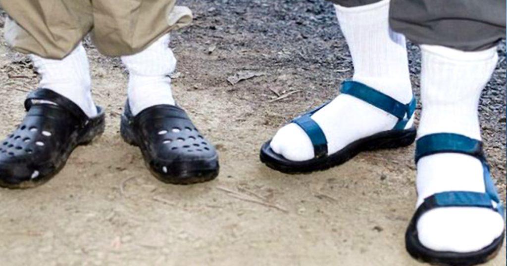 Socken und Sandalen