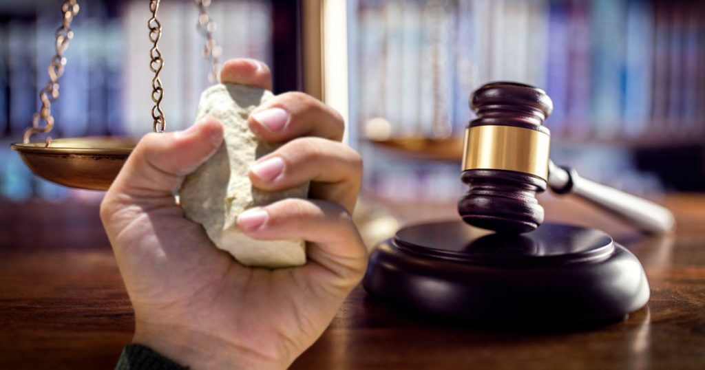 Noktara - Steinigung für verweigerten Moscheebesuch rechtens