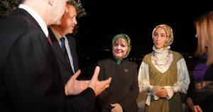Noktara - Türkei-Besuch- Cem Özdemir kritisiert Bundeskanzlerin Angela Merkel wegen Kopftuch