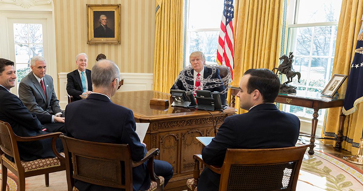 Noktara - Trump kettet sich im Oval Office an und besetzt das Weiße Haus