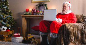 Noktara - Weihnachtsmann erledigt seine Arbeit aus dem Home Office