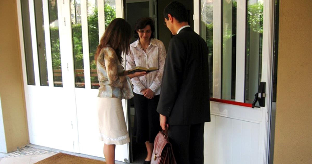 Noktara - Zeugen Jehovas sammeln Unterschriften für Erhalt der Klingelschilder